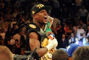 Mayweather vs Maidana - Battle of the Gloves