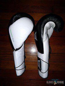 Everlast Powerlock gloves side